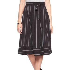 Banana Republic Skirt Midi Size 0 Stripe Midi Mid
